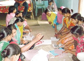 Tonårsgrupp i arbete i Kendua hos SUS i Bangladesh